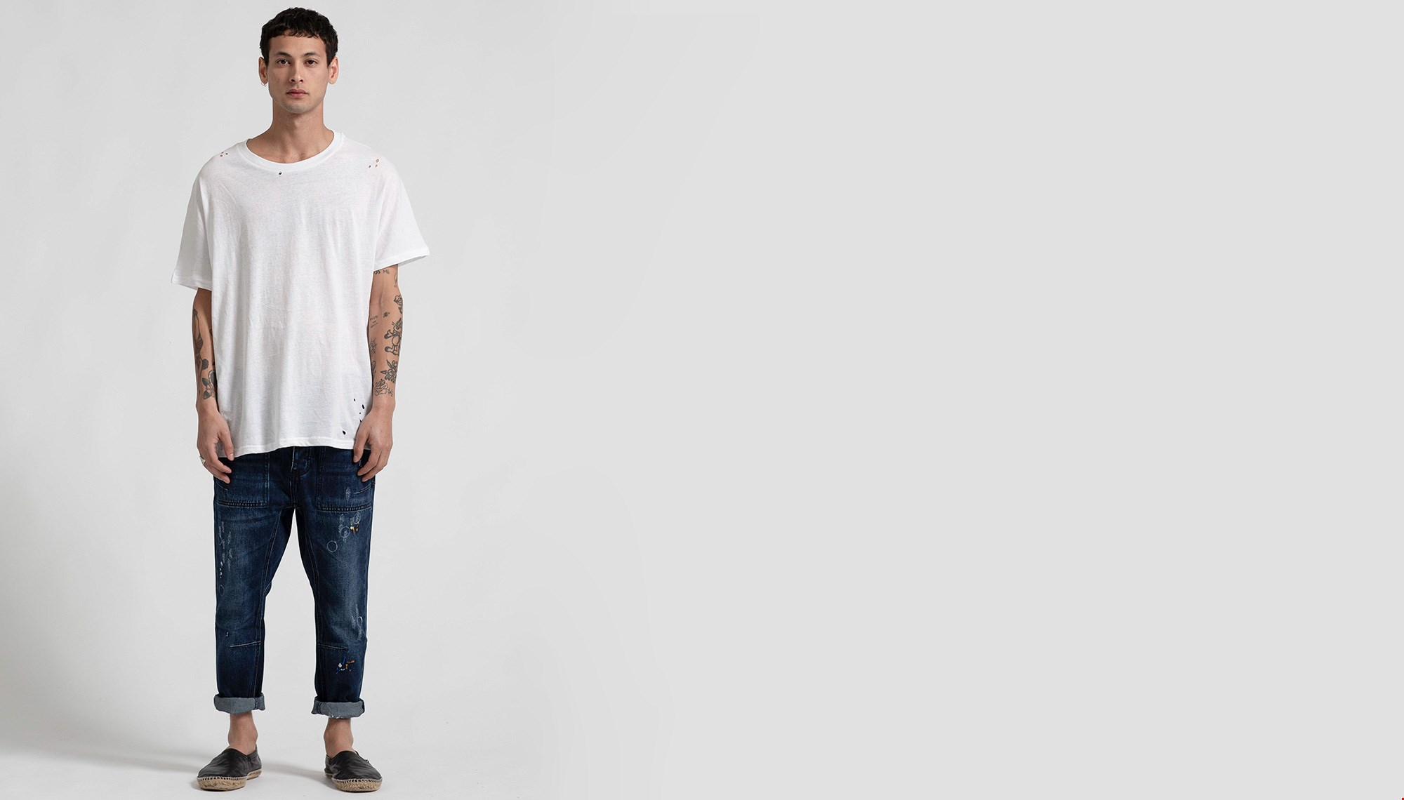MR RAY DISTRESSED ONE PIECE TEE